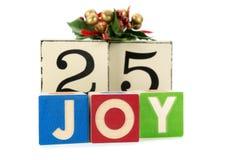 与12月的25日圣诞节日历在木块 免版税库存图片