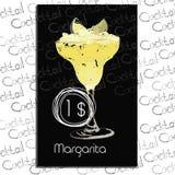 与价格的鸡尾酒玛格丽塔在粉笔板 鸡尾酒酒吧的模板元素 库存照片