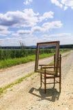 与画框的椅子本质上III 免版税图库摄影
