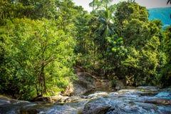 与水池的瀑布在热带密林, Na Muang, 免版税库存照片