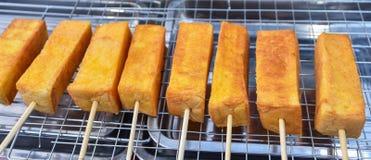 与黄油格栅的面包 库存图片