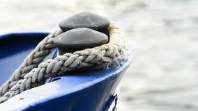 与系泊缆的船弓 股票录像