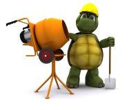 与水泥搅拌车的草龟建造者 免版税库存照片