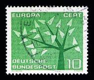 与19片叶子的风格化树,欧罗巴(C e P T ) 1962年-树seri 免版税图库摄影