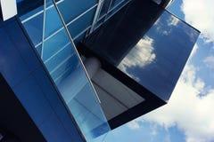 与玻璃和混凝土的图表门面 库存照片