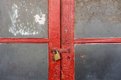 与玻璃的双重红色门 免版税库存图片