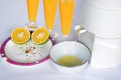 与玻璃的新鲜的mosambi汁液 库存图片