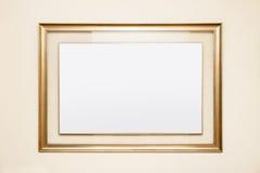 与玻璃的空白的框架在它附近 免版税图库摄影