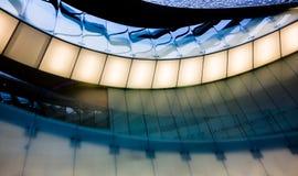 与玻璃阳台的现代未来派内部在波尔图海里面 免版税库存图片