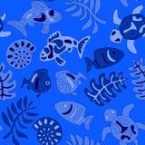 与水生动物和海草的无缝的风格化部族样式 库存图片