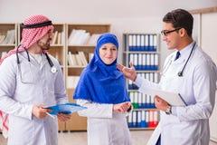 与医生的变化概念在医院 图库摄影