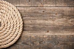 与绳索的船舶背景 免版税库存照片