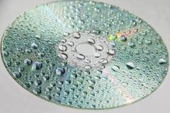 与水滴的CD  免版税图库摄影