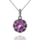 与紫罗兰色紫晶和白色金刚石的人造白金垂饰 免版税库存图片