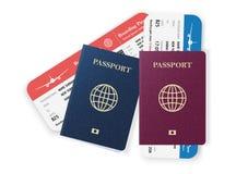 与登舱牌的两本护照 免版税库存照片