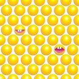 与黄色圈子的无缝的样式 免版税库存照片
