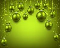 与绿色圣诞节球的弧背景 免版税库存照片