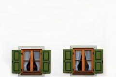 与绿色快门的两个窗口打开 图库摄影
