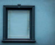 与绿色框架的闭合的绿色窗口 库存照片