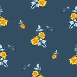 与黄色玫瑰、蓝色叶子和蜻蜓的水彩无缝的样式在蓝色背景 图库摄影