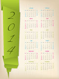 2014与绿色origami箭头的日历 免版税库存照片