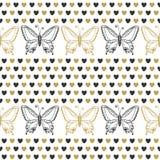 与蝴蝶和心脏黑色和金子颜色的逗人喜爱的无缝的样式 手拉的向量背景 能为包裹使用, 免版税库存照片