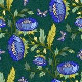 与蝴蝶和花的花卉背景 免版税库存照片