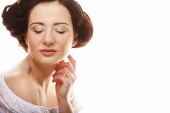 与-被隔绝的干净的纯净皮肤的美丽的健康妇女面孔  免版税库存图片