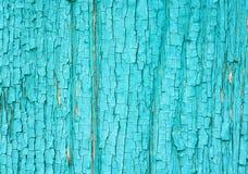 与破裂和削皮油漆的老木表面 免版税图库摄影