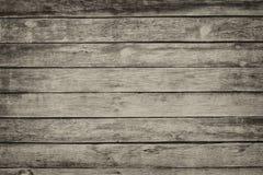 与破裂的颜色油漆的老灰色破旧的木板条 库存图片