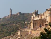 与以远Jaigarh堡垒的琥珀色的堡垒 库存照片