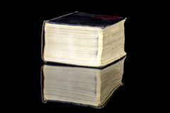 与黄页的Weatherd书 免版税库存图片