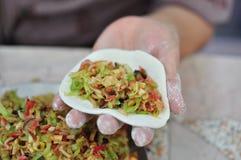 与素食者材料中国式的油煎的小圆面包 免版税库存照片