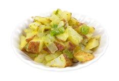 与素食者的烤红色土豆在小碗 库存照片