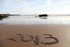 与2013年的海滩在沙子 免版税库存图片