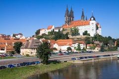 与Albrechtsburg城堡的Meissen都市风景 免版税库存图片