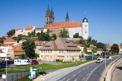 与Albrechtsburg城堡的Meissen都市风景 免版税图库摄影