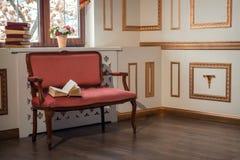 与barocco长沙发的经典内部 库存照片