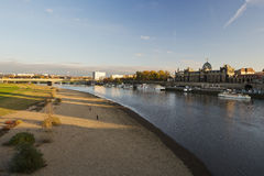 与Brà ¼百升的大阳台的易北河 免版税图库摄影