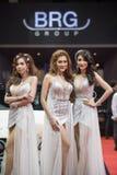 与BRG小组汽车的未认出的模型在泰国国际马达商展2015年 库存图片
