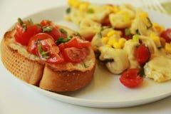 与Bruschetta的意大利式饺子 库存照片