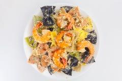 与chrimp的开胃色的farfalle面团 图库摄影