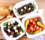 与ciabatta,顶视图的地中海开胃小菜 库存照片