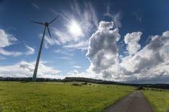 与cloudscape的德国windrad 免版税图库摄影