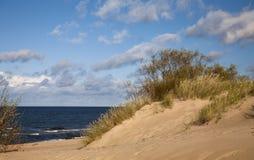 与cloudscape的海岸 图库摄影