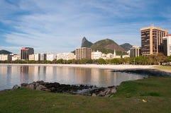 与Corcovado山的里约热内卢都市风景 免版税库存照片