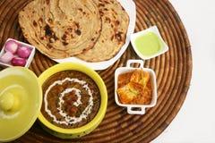 与Dal Makhani的Masala Paneer 库存图片