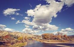 与Eagle河,美国的美好的秋天风景 库存图片