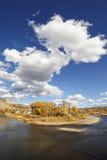 与Eagle河,美国的美好的秋天风景 库存照片