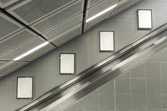 与ES的四个大垂直/画象取向空白广告牌 免版税库存图片